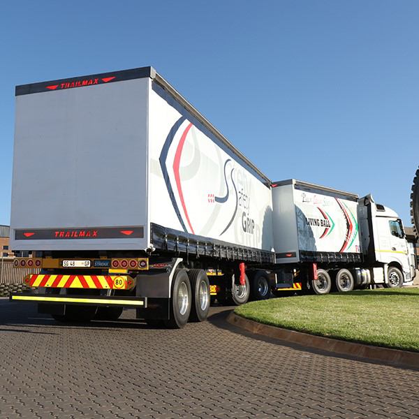 Picture for category TRUCK TYRES